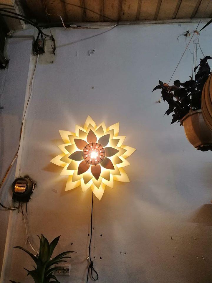 Đèn gỗ hoa sen
