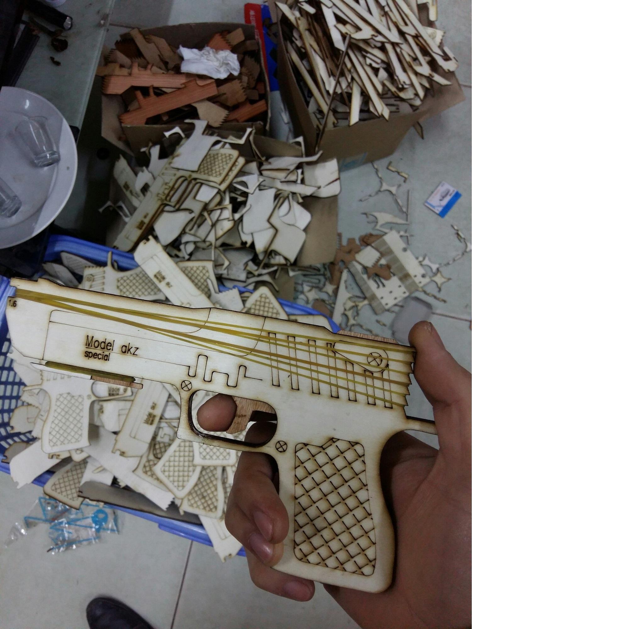 súng bắn chun Model Akz